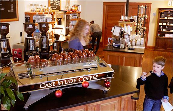 descriptive essay on a coffee shop